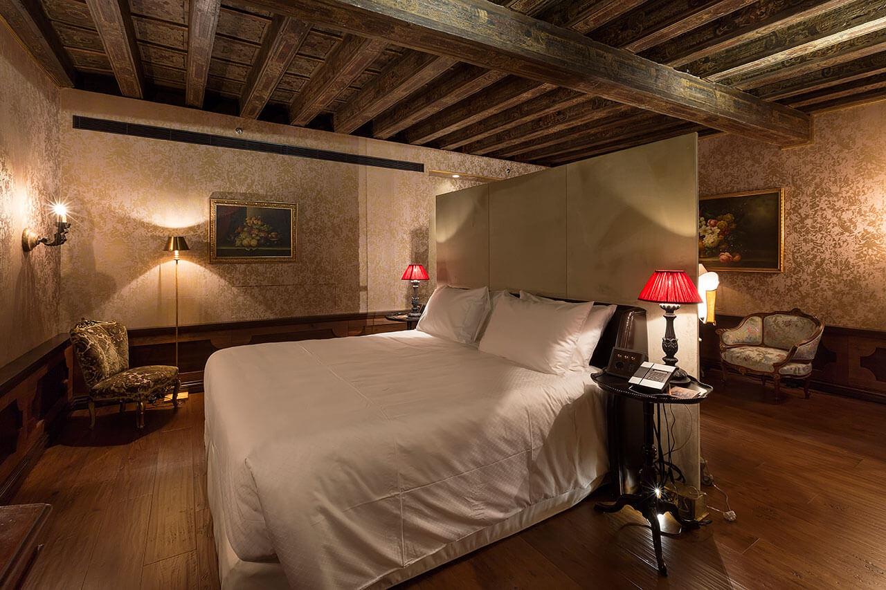 1-Palazzo-Venart-Prestige-Room-105-a