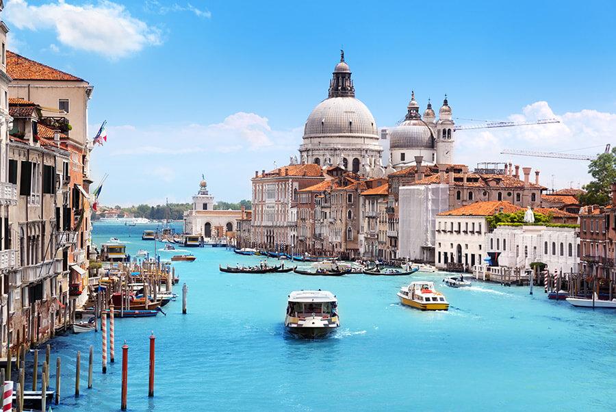 Grand-Canal-and-Basilica-Santa-Maria-della-Salute-Venice