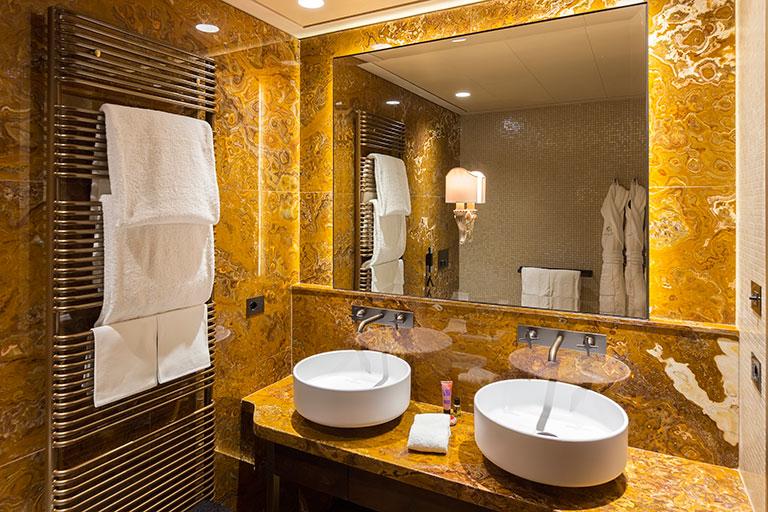 Palazzo-Venart-Luxury-room-203-f