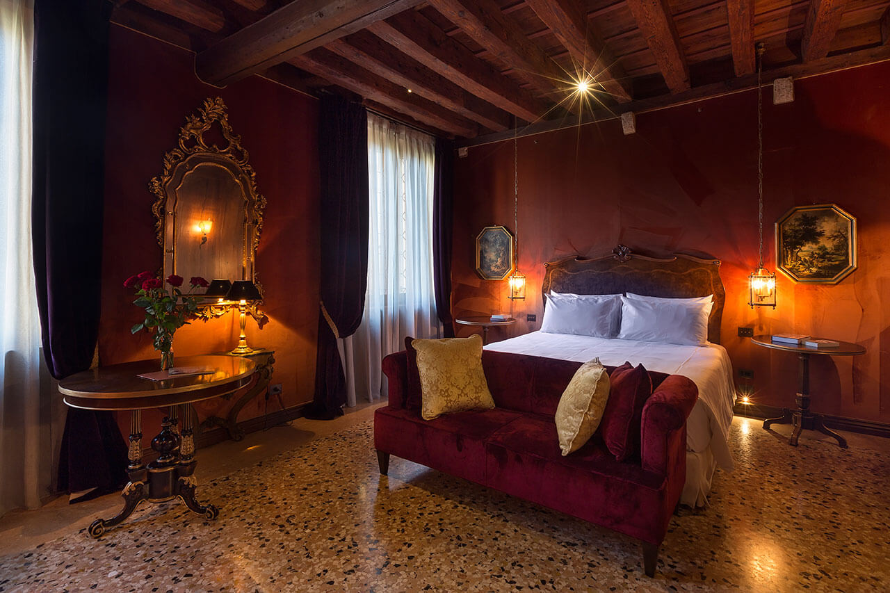 Prestige Rooms - Luxury Accommodation in Venice, Italy